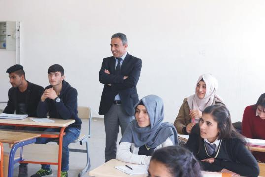 Gençlik Merkezinden genç öğrencilere spor malzemesi Urfa Haber